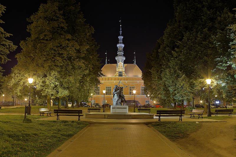 Oświetlenie pomnika