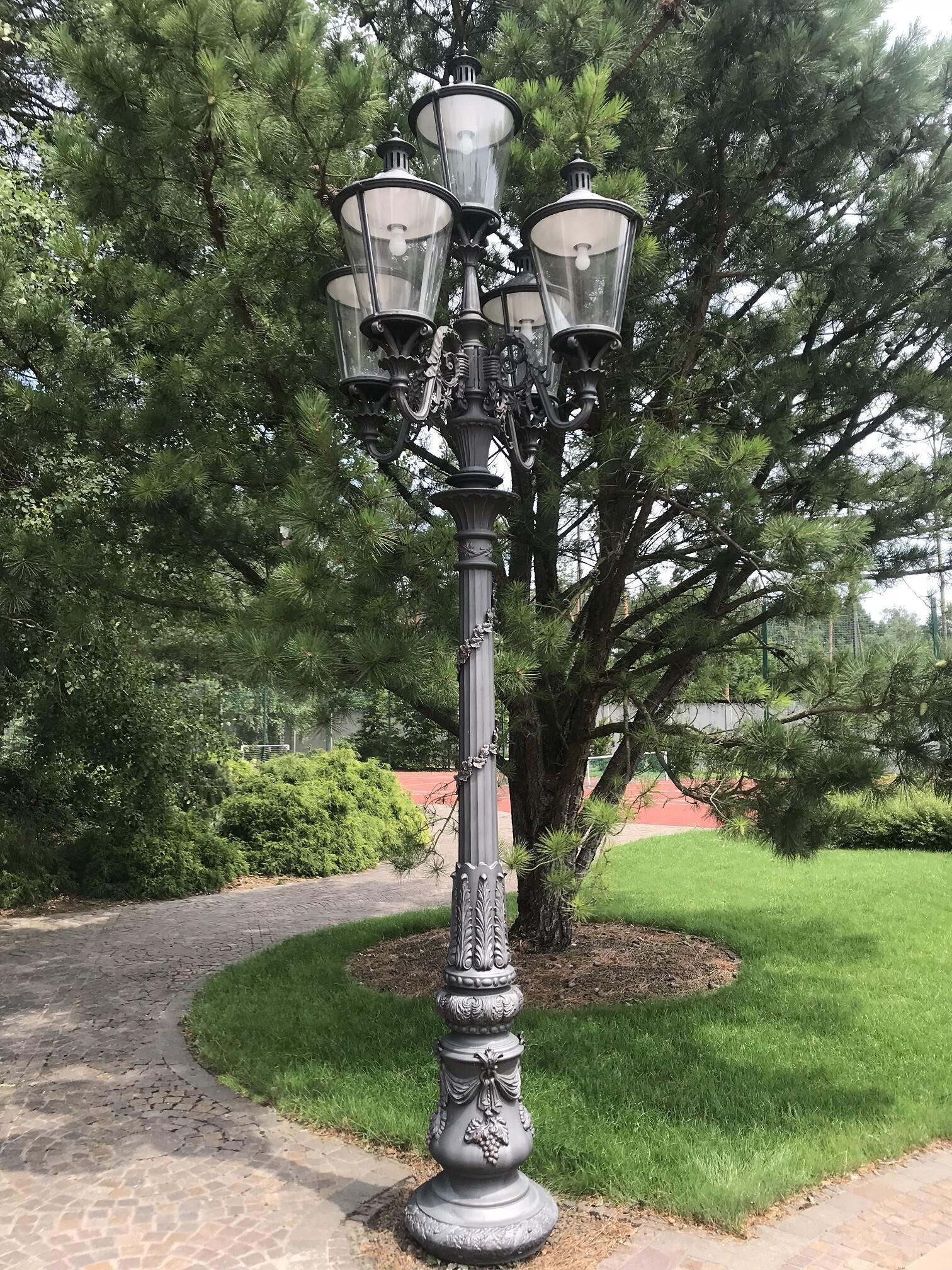 wysoka latarnia stylowa, ekskluzywna latarnia ogrodowa